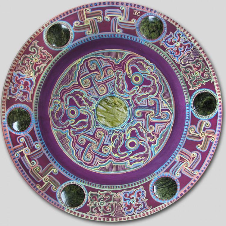 Катанда. Декоративная тарелка. Яшма, змеевик.