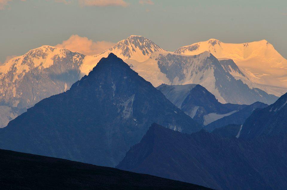 Белуха с северо-запада  Фото: Вячеслав Левицкий