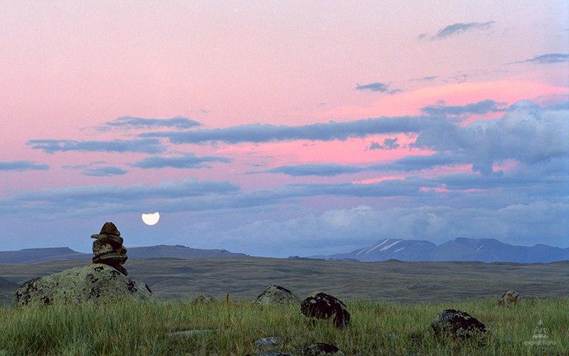 Восход луны. Фото: Дмитрий Гнатко