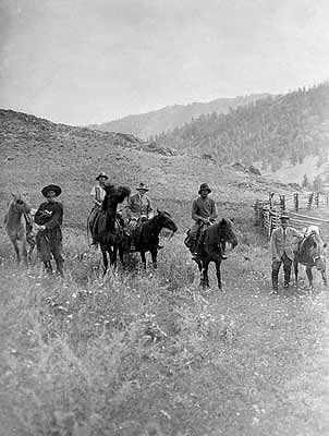 Рерихи во время экспедиции на Алтае. Август 1926 года. Фото из архива Анастасии Атамановой