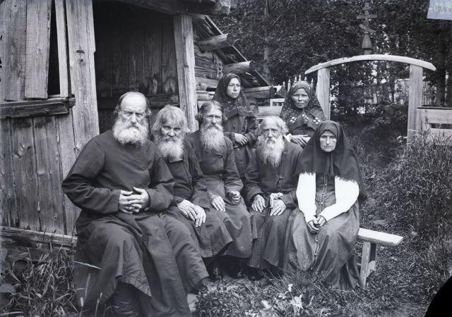 Староверы- кержаки. Старая фотография.