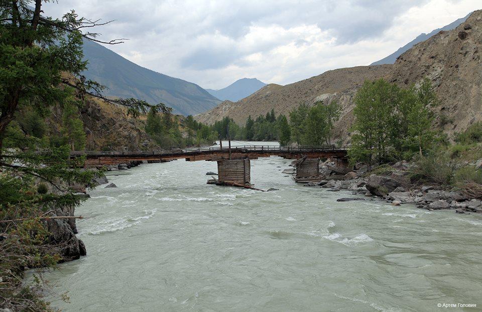 Второй мост через Аргут. В 4 км ниже село Аргут Аркыт