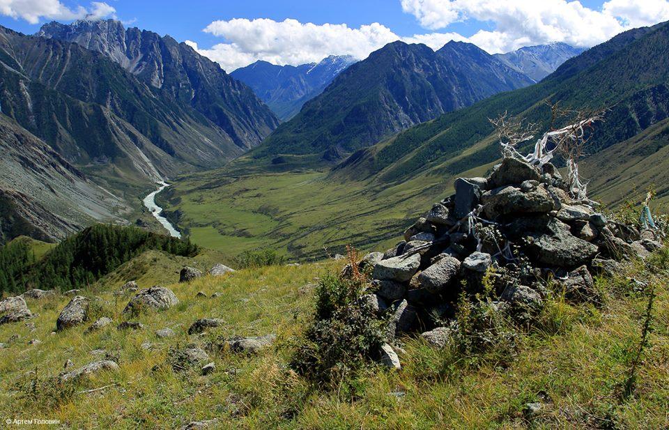 Долина Аргута. Направо уходит долина Иедыгема
