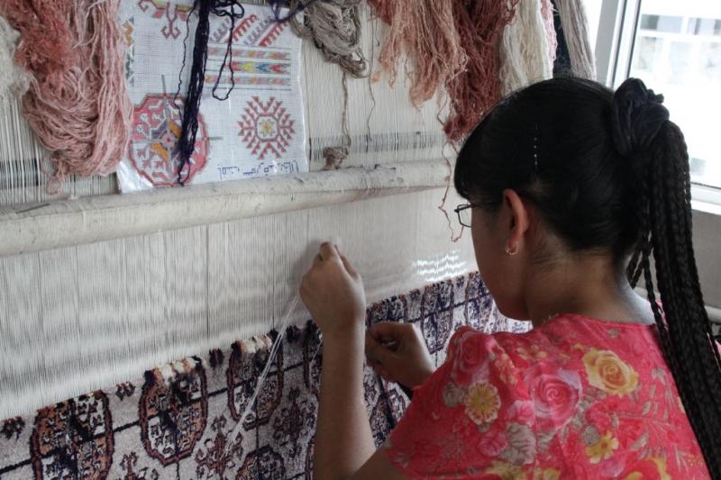 Традиционный туркменский ковровый мотив гюль - цветок