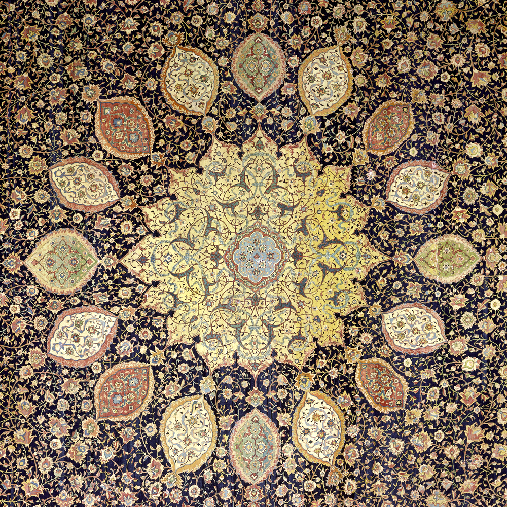 Центральный медальон одного из выдающихся ворсовых ковров