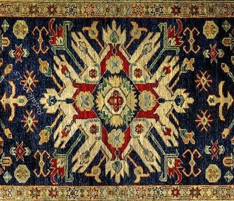 Мотив Матери - Древа - Цветка  в геометрической ковровой композиции
