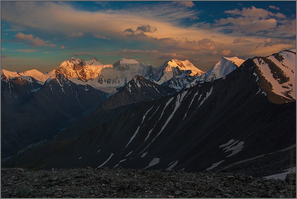 Белуха с перевала Кара-Тюрек. Фото: Виталий Джазатор
