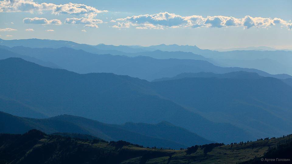 Катунский хребет. Фото: Артем Головин