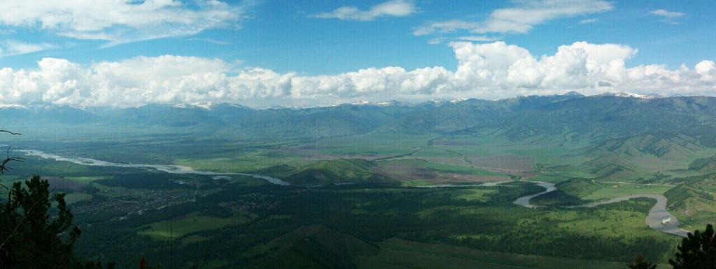 Панорама Уймонской долины с горы Филаретки