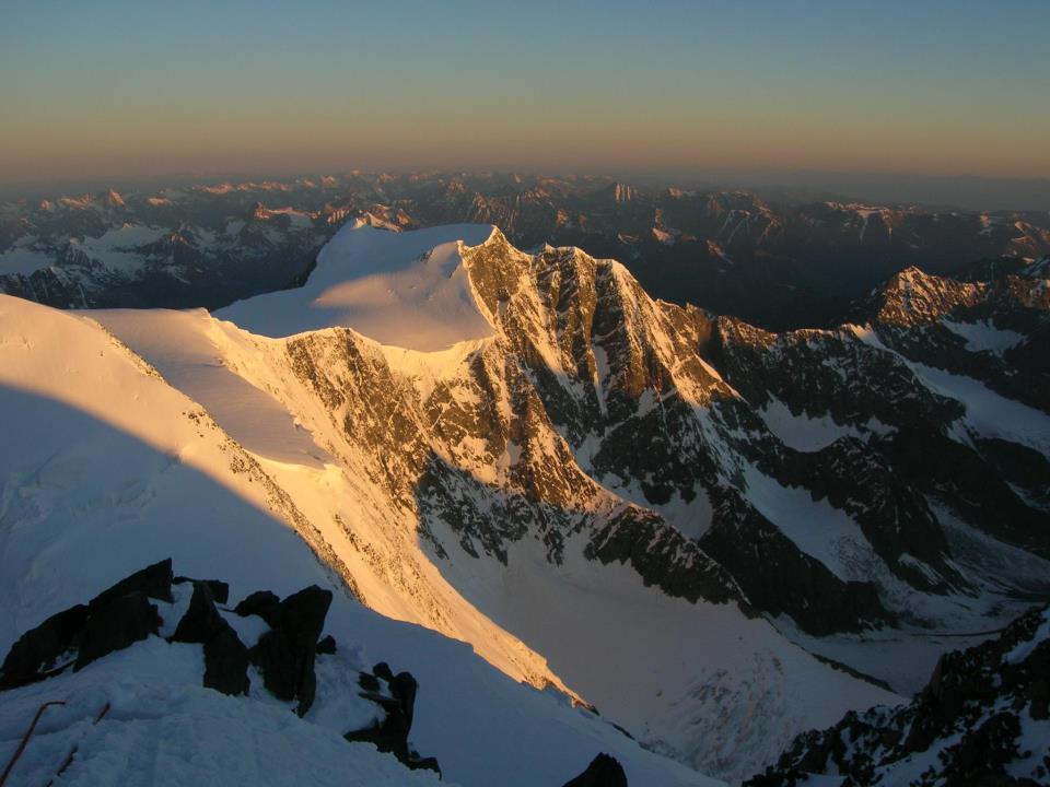 Панорама с ледника  Белухи . Фото: Наталья Пшеницына