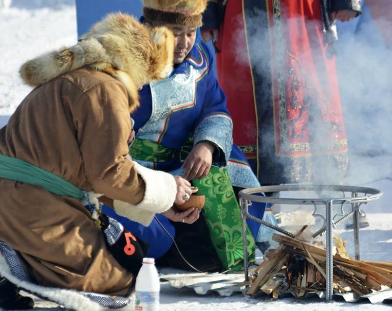 Проведения праздничного обряда. Фото: Надежда Ерленбаева