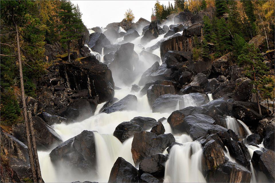 водопадный каскад учар