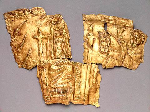 Изображение Богини Матери на троне у Древа Жизни. Фрагмент золотой пластины из кургана Мерджаны