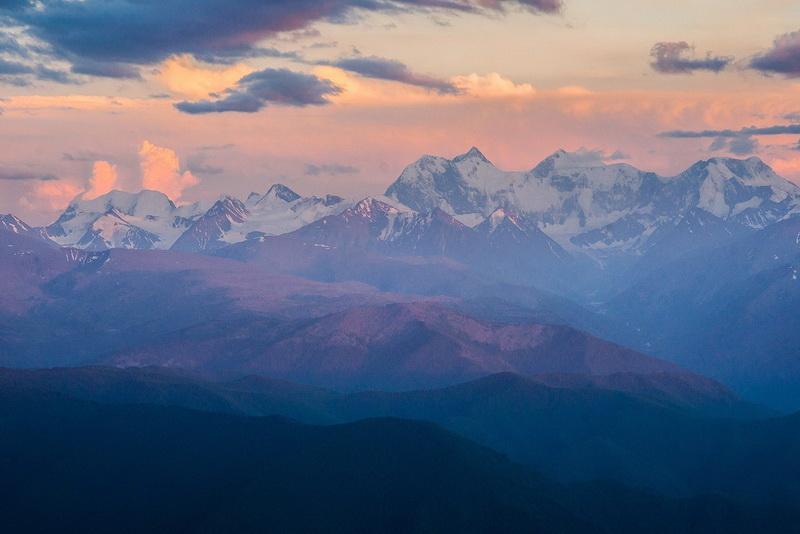 Панорама Катунских Белков и горы Белухи с вершины Теректинского хребта