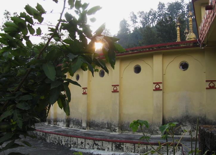 Вечер в дхамма - центре в Дехрадуне